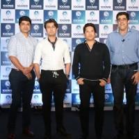 (Left to Right) Mrinmoy Mukherjee, Sonu Nigam, Sachin Tendulkar & Rajan Navani