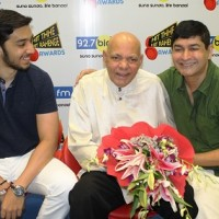 Lete Shri. Mehmood Ali has won 92.7 Big FM's Hit Thhe Hit Rahenge Awad for best Comedian His Brother Anwar Ali will receive the award his behalf