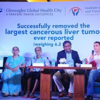 Mr.Chidambara Marathe (2 nd from left) and Family with Prof Mohamed Rela, Chairman & Director, Institute of Liver Disease and Transplantation, Gleneagles Global Health City (3rd from Left)