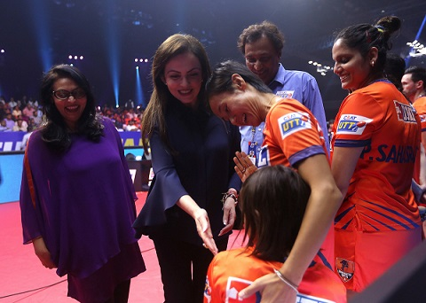 Mrs.Nita Ambani meet the UTT players during the Semi Final match of the CEAT Ultimate Table Tennis league played between Falcons TTC and DHFL Maharashtra United held at the NSCI, Mumbai ,India on July 28, 2017. Photo : Sandeep Shetty/ Focus Sports / Ultimate Table Tennis