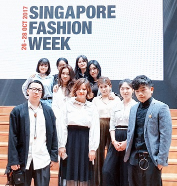 Faceinews Com Student Designers Debut New Fashion Line Blumex And Largest Fashion Collection By Mdis At Singapore Fashion Week 2017