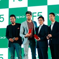 OPPO`s new brand ambassador Siddharth Malhotra with Mr. Will Yang,Brand Director, OPPO India, Renowned Photographer – Rohan Shrestha and Sky Li, Global VP, OPPO & President of OPPO India