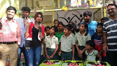 BIG FM's MJ Shruti & BIGCoffeeBrigade with Shishu Mandir's childrens at Shishu Mandir for Besanta