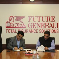 Mr. Ravi Panchanadan, Chief Operating Officer, Manipal Global Education Services (MaGE) and Mr. Munish Sharda, CEO Future Generali India Life Insurance Company Limited sealing the partnership