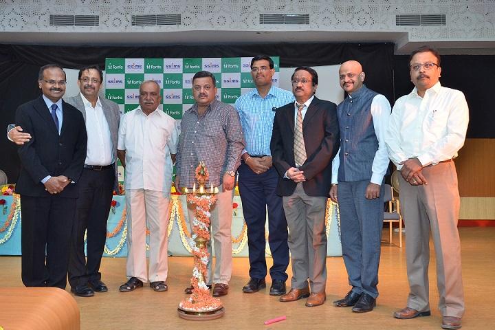 Mr. S S Mallikarjuna, Minister, Dr. Vishnuvardhan PS Facility Director, Fortis Hospital, Cunningham road, Dr. Mohan Keshavamurthy, Director, Fortis Hospitals, Bangalore
