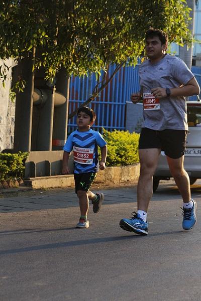 Father and son running at Kana=yathon 2018