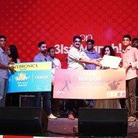 Classical Winners - Band Tune Station LtoR - Mr. Vishal chandrasekar, Music Director, Umeash Iyer, General Manager Forum Vijaya Mall and Ms.Kavya Ajith, Singer