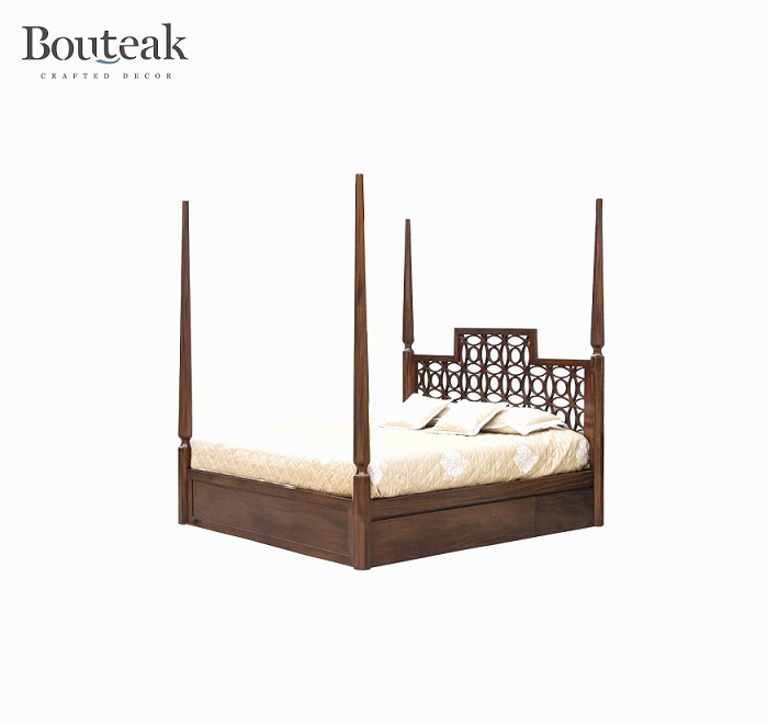 Bouteak Four Poster Bed Image 4