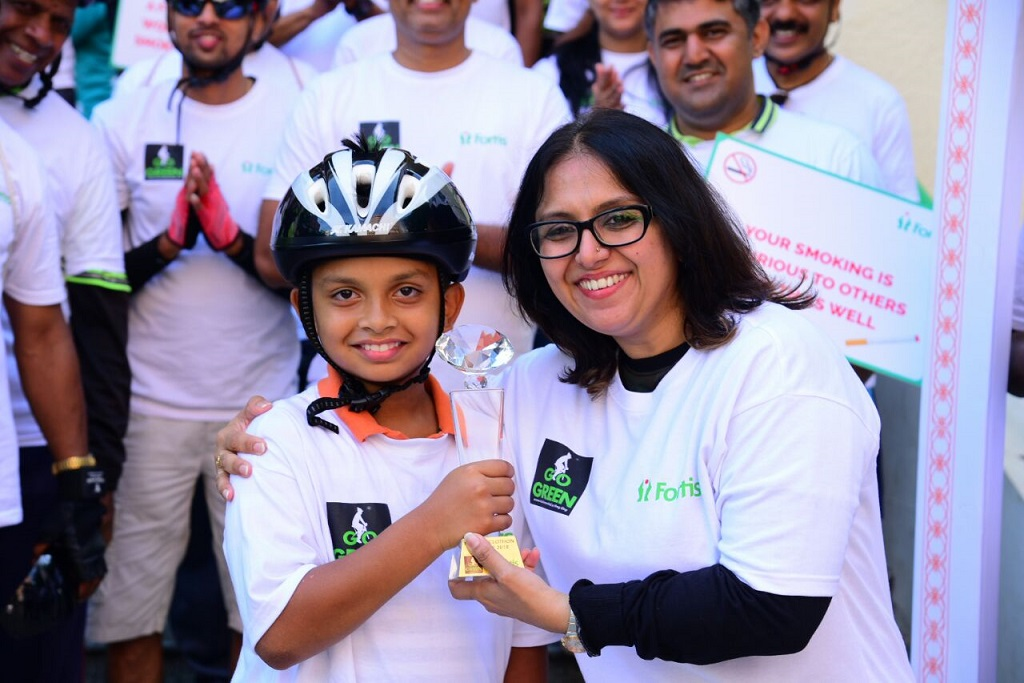 Dr Priya_Medical Director along with the youngest participant of the cyclothon