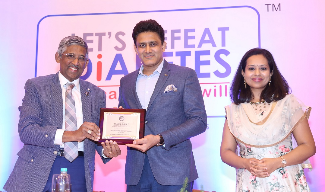 Dr V. Mohan and Dr. R.M. Anjana welcoming Mr. Anil Kumble
