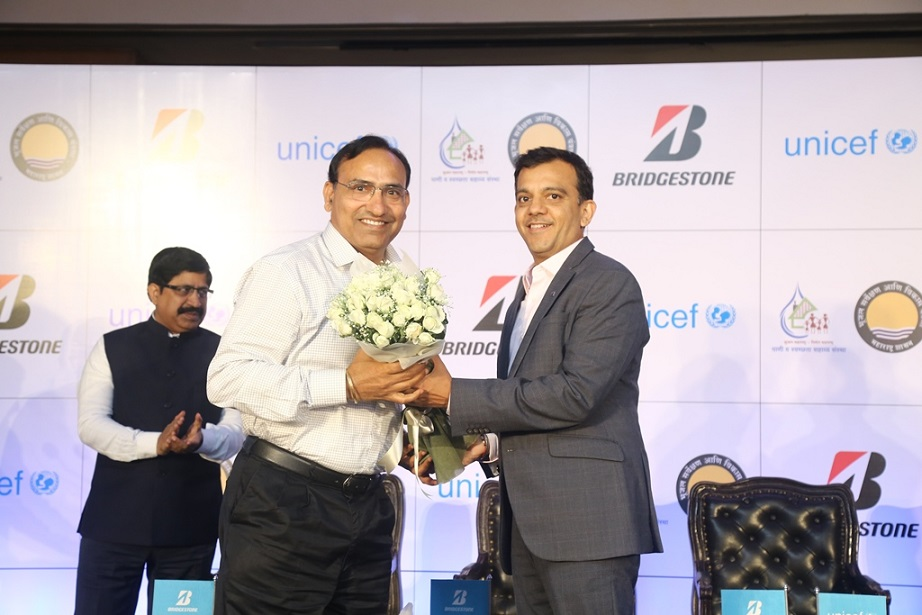 Mr.Parag Satpute, MD Bridgestone India and Mr. Sham Lal Goyal, Add. Chief Secretary, Water Supply & Sanitation at Bridgestone -Unicef initiative Drops of Hope_05.06.18