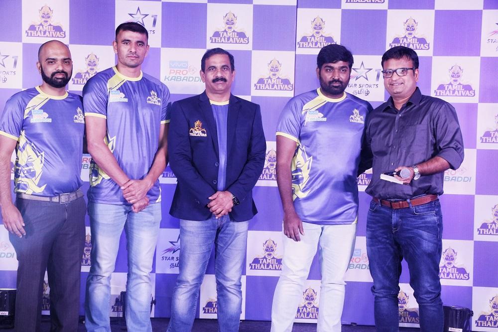 L-R (Viren D' Silva, CEO, Tamil Thalaivas, Ajay Thakur Captain Tamil Thalaivas, Edachery Bhaskaran, Coach, Tamil Thalaivas, Vijay Sethupathi, Ashok Namboodiri, Head of Regional Business- Star Sport