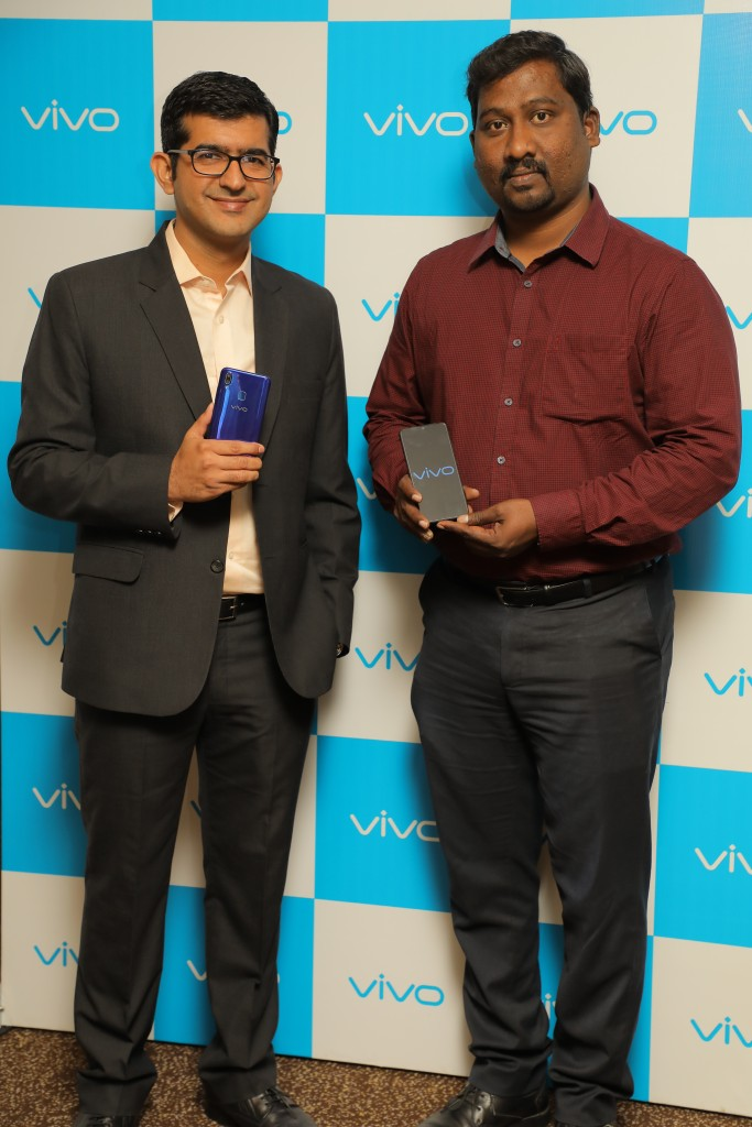 Launch of Vivo Y95- L-R (Mr. Nipun Marya, Director-Brand Strategy, Vivo with Mr. Gopal Krishnan, State Head, Vivo- Tamil Nadu (2)