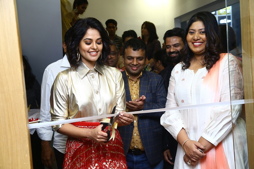 Bindu Madhavi inaugurating Aquaab WNW at FIDA